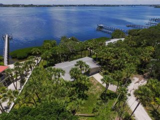 Bayfront Home Directly on Lemon Bay with Dock, Newly Remodeled in 2017