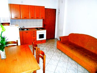 Two bedroom apartment with sea view near Omiš