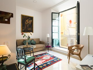 Francos. 1 bedroom near the Cathedral