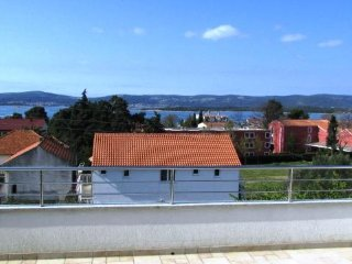 Apartment Vatrogasac- Two-Bedroom Apt with Balcony and Sea View
