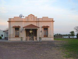 Casa Mansa, Lobos, Puro Campo