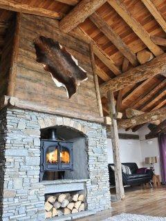 Walk-around fireplace