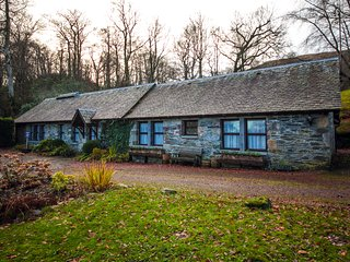 Craigton Smiddy, Luss, Loch Lomond, traditional detached cottage