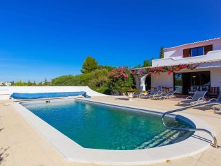 Casa Tranquila - 6 Bedroom villa with heated pool, walking distance of Carvoeiro