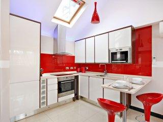 Luxury Baker Street Suite