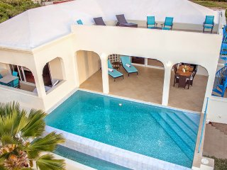Pinnacle Villa - 3 bd luxury, best view and excellent support from owners