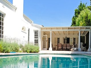 Pool Flatlet with Own Terrace, Cape Town, Constantia