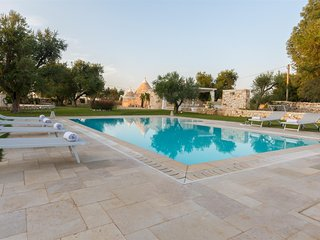 Luxury 4 bedroom trullo in Puglia with private swimming pool