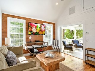 ~ PETITE MAISON ~ Luxury Home w/ Pvt Parking Just a Few Steps From Duval St!