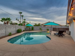 **** OLD TOWN SCOTTSDALE 6 BEDROOM PALACE! ****