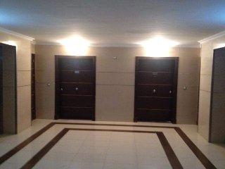 A louer un joli appartement  de 180 m2 meublé à Mobilart avec une tres belle vue