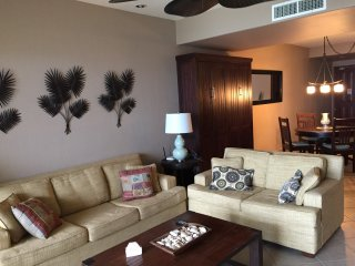 Amazing Oceanview - Las Palomas, C1005 - Largest 1BD/1BA w Murphy/Wall bed