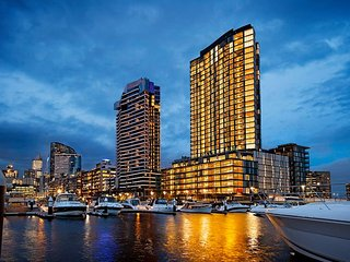 2BDR 2BTH 29F Parking+WiFi+GYM+Pool Melbourne Short Stay Docklands seaview apt