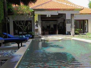 DeJa Vu, 3 bed villa, closed living, Seminyak
