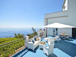 Villa Vista Mare Con Terrazza A 5 Min Dalla Spiaggia