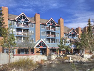 Sun-filled Studio Condo in Downtown Breckenridge