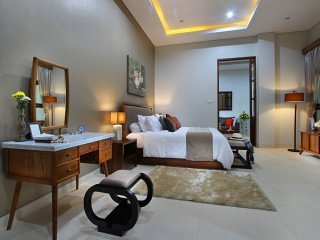Little Ubud River View Diamond Villa 4pax