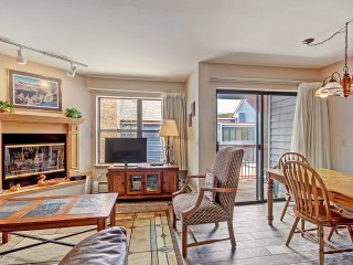 River Mnt Lodge One Bedroom Condo, Incredible Location! ~ RA156611