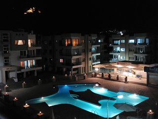 Kyrenia. RiX. Luxury 3-Bedrooms Apartment. Pool view.