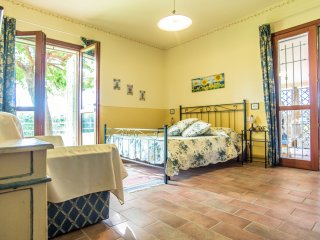 Borgo san Giuliano, apartment 'Guardiano' in charming villa