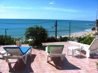 Dane Villa, Olhos de Agua, Algarve