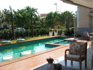 SC017- Jurere Internacional Villa