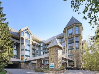Whistler Ski In/Ski Out: 2 BR-Woodrun Lodge End Unit