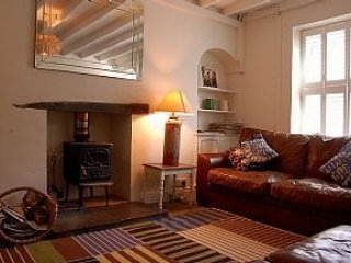 Attractive three bedroom Welsh stone terraced cottage, sleeps 5, WiFi, Parking