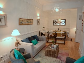 Zaire - Great apartment with lovely patio in the center