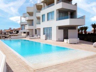 Amarilla Golf Villas - luxury 2 bed penthouse - stunning views