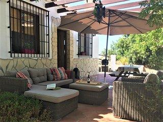 Ruime bungalow (6p.) dichtbij het dorp Canillas de Aceituno en de Costa del Sol