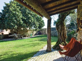 Villa Pedra | Almond-Tree House