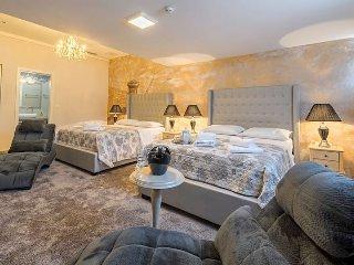 Prima Luce Luxury Rooms Deluxe Double Room with 2 Queen Bed