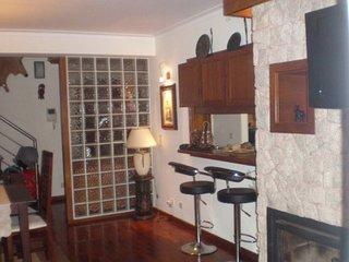 Duplex 3 chambres a 150m de la plage de Esmoriz, avec grande Terrasse au Calme