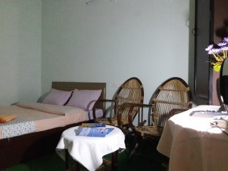 MUNNAR FARMHOUSE.Budget Excellent rooms in Munnar. Room 2 with sunrise view