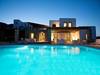 Luxury Villa Amallini