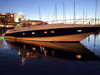 Sunseeker Yacht for Lodging and Charter