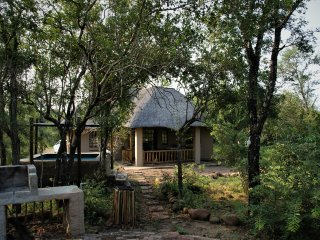 Maranze - your self-catering 2 bedroom home in the South African Bush