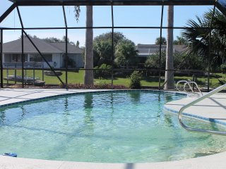 Water Lovers Paradise, Canal Front, Pool Home, Newly Remodled