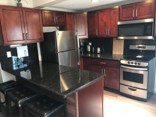 Executive 1 bedroom, recently renovated, Portlock area.