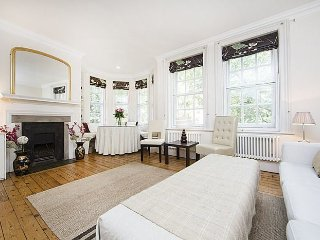 Beautiful apartment in mansion block with river view- Chelsea
