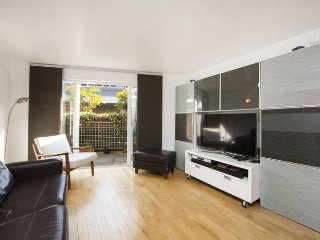 Two bed, two bath Marylebone flat superbly located for exploring London