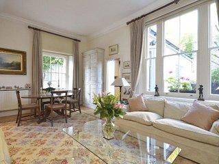 Two En-Suite Double Bedrooms, Large Reception, Fantastic Location