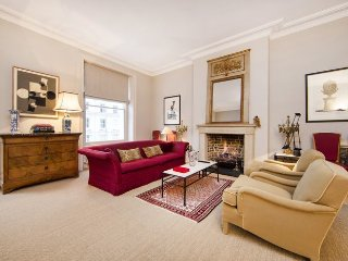 Stunning and spacious one bedroom apartment in Maida Vale