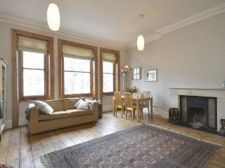 Spacious and serene 2 bedroom apartment close to Regents Park