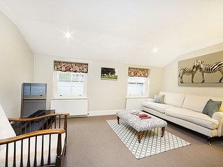 2 bed apartment perfectly located on a highly sought after street in Pimlico