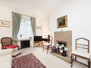 Delightful and cosy 1 bedroom flat, set just off the river embankment- Chelsea