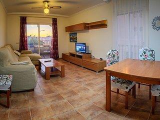 Apartamento de 3 dormitorios con piscina, cerca de la Playa y Centro Comercial