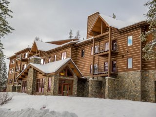 Wonderful ski and summer condo close to everything in Whitefish