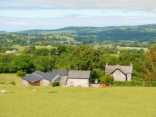 Llwyn Y Gwaew Farm | Great Escapes Wales